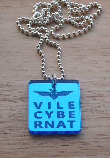 Wings Vilecybernat mirrored pendant