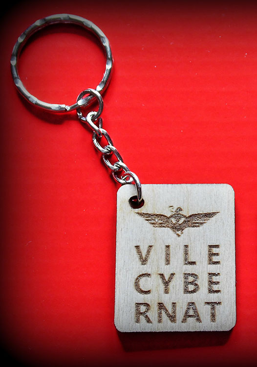 Wooden engraved Vile Cybernat Key Ring
