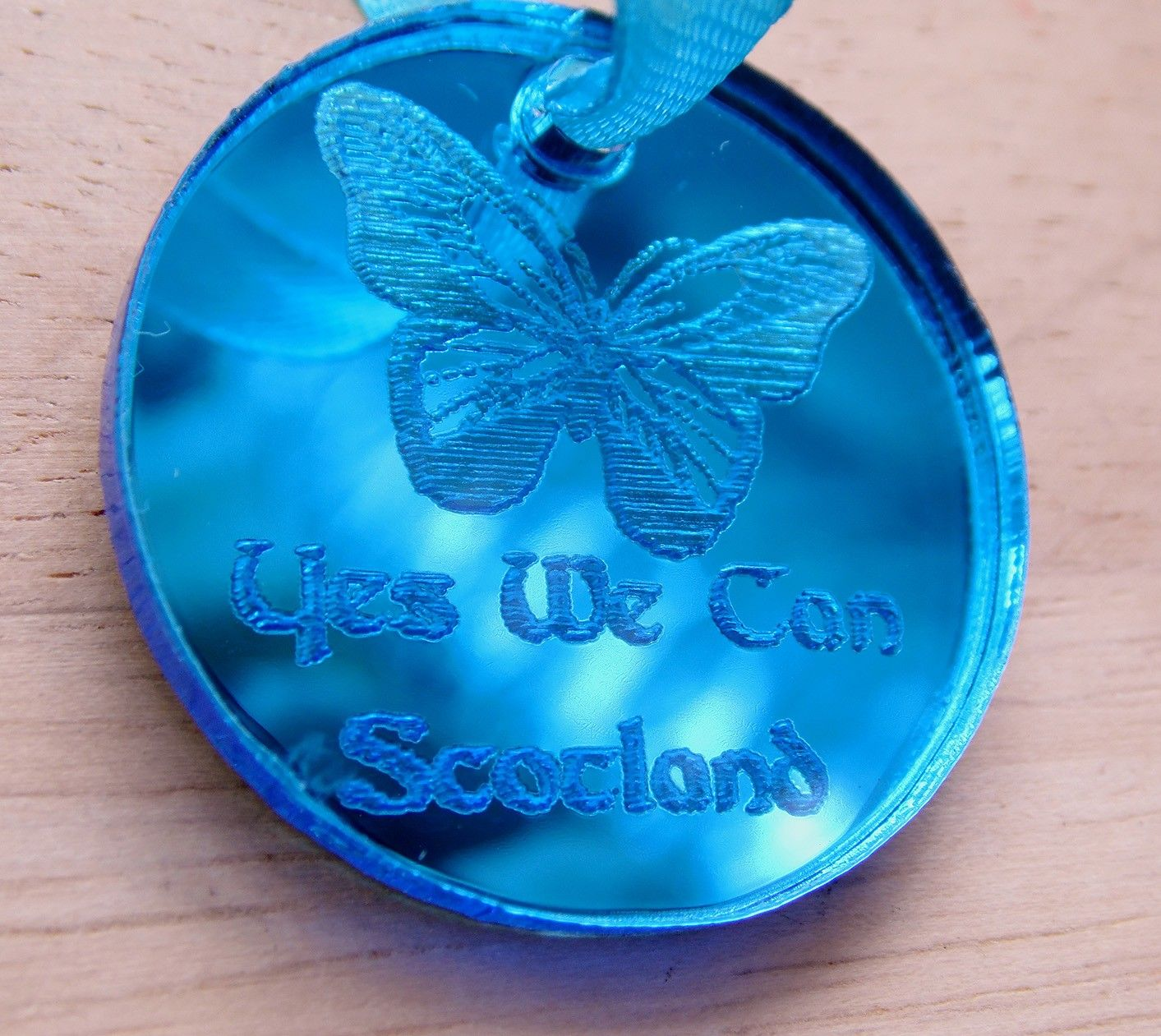 Yes we Can pendant