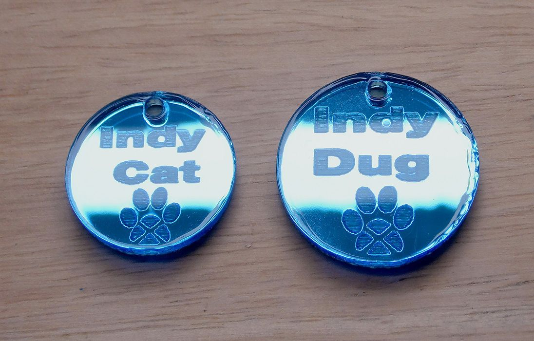 Mirrored 'Indy Cat' collar tag