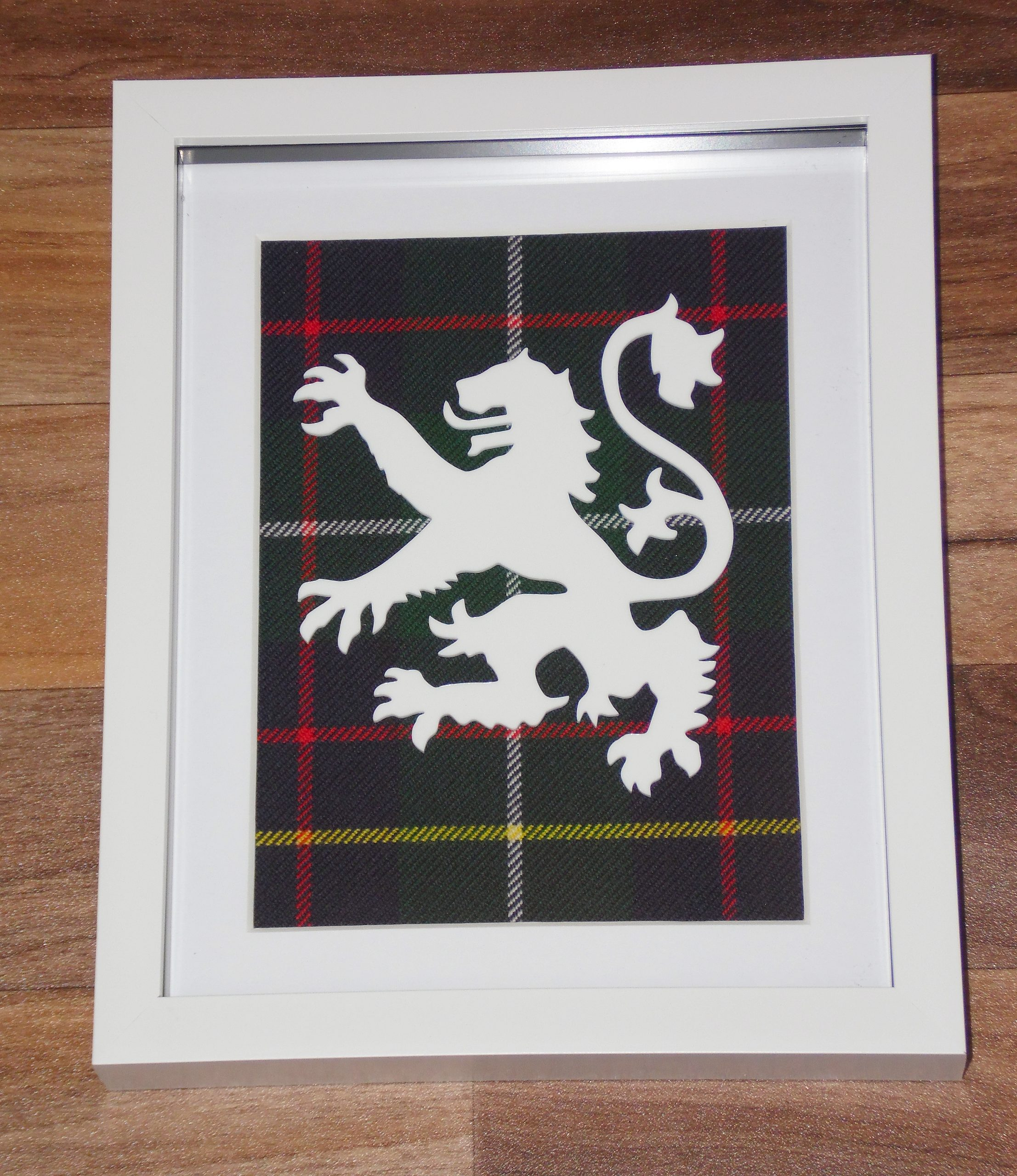 Lion Rampant/Large Tartan background