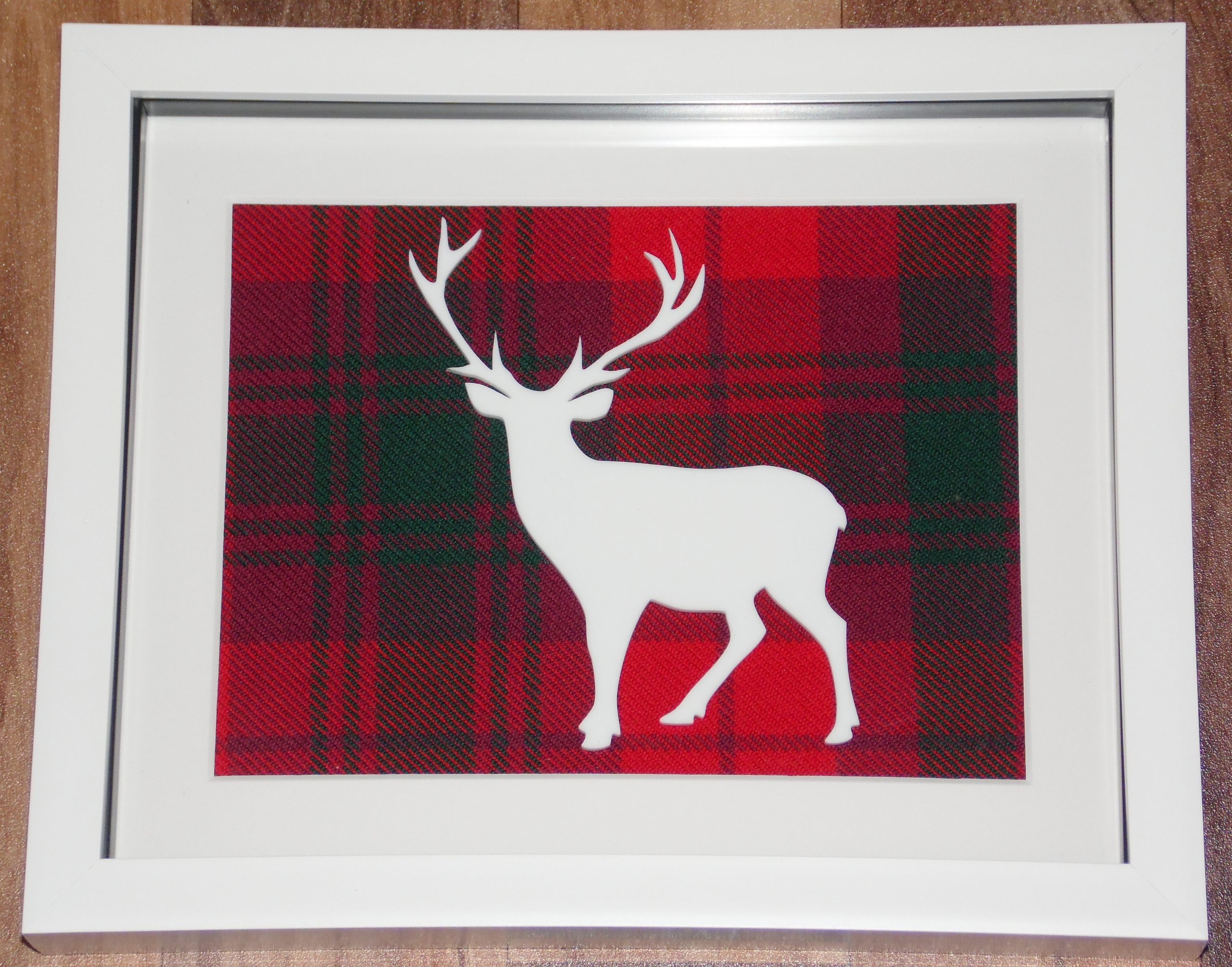 Full stag cutout large tartan